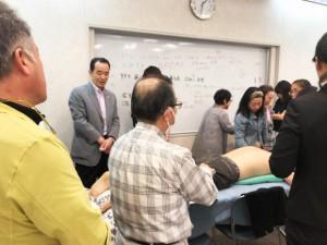 患者モデルさんの脈の変化を診せて頂きます